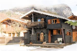 La Cabine Samoens A beautiful and traditional Savoyard mazot