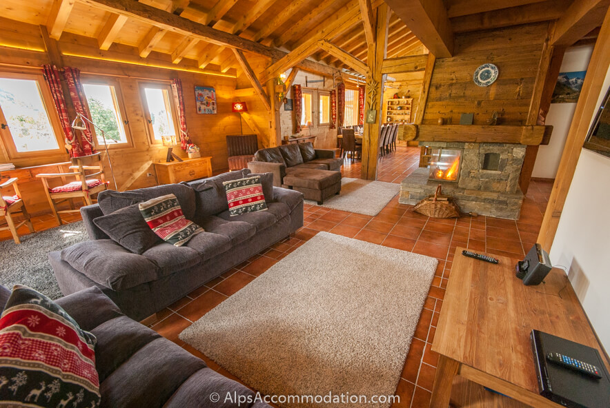 la grange samoens luxury chalet style apartment close to the lifts. Black Bedroom Furniture Sets. Home Design Ideas
