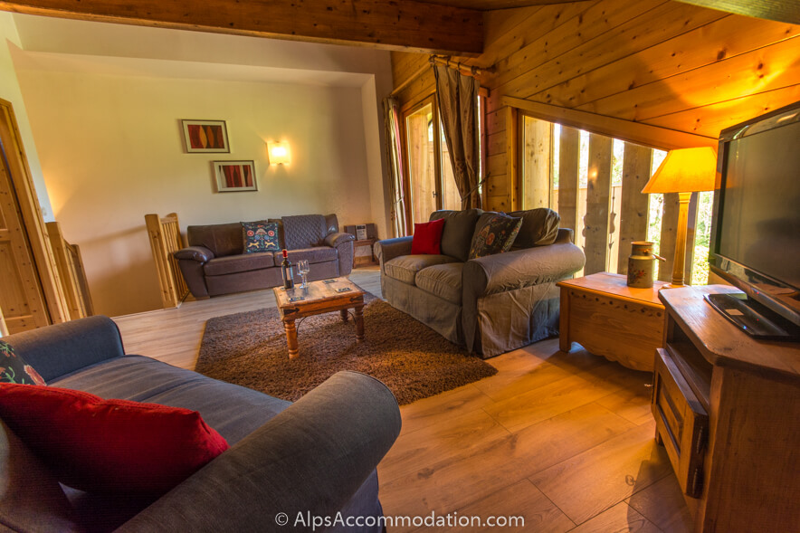 Pas au Loup A10 Samoens Fantastic lounge with LCD TV, satellite receiver and second TV with games console