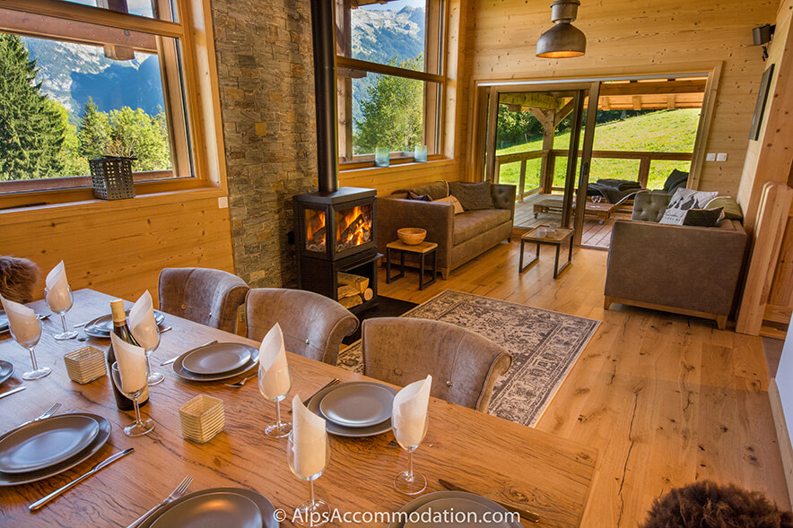 Chalet Sarbelo Samoens Beautiful views from the dining and living areas