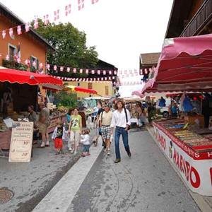 Morillon village market