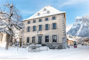 Samoens village centre under fresh snow