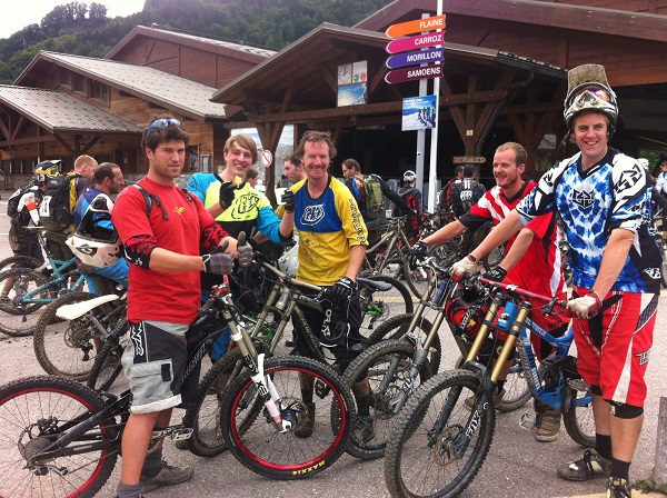 Local lads, Steve, Jamie, Nick, Kyle and Paul made the most of the Enduro Series weekend, Samoëns 23/06/13