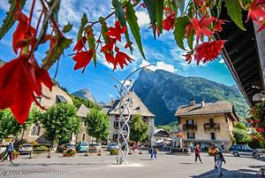 Beautiful village centre of Samoens